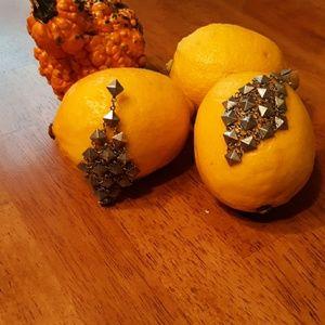 Jewelry - Earrings.🎫